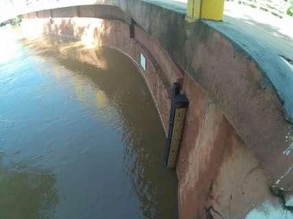 Rio Aquidauana baixa 6 metros e famílias ribeirinhas voltam para casa