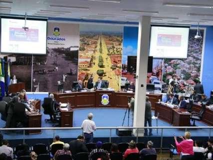 Câmara vai gastar R$ 52 mil por mês com vale-alimentação de servidores
