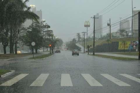 Chuva não trouxe estragos, mas equipes estão de prontidão, diz Defesa Civil