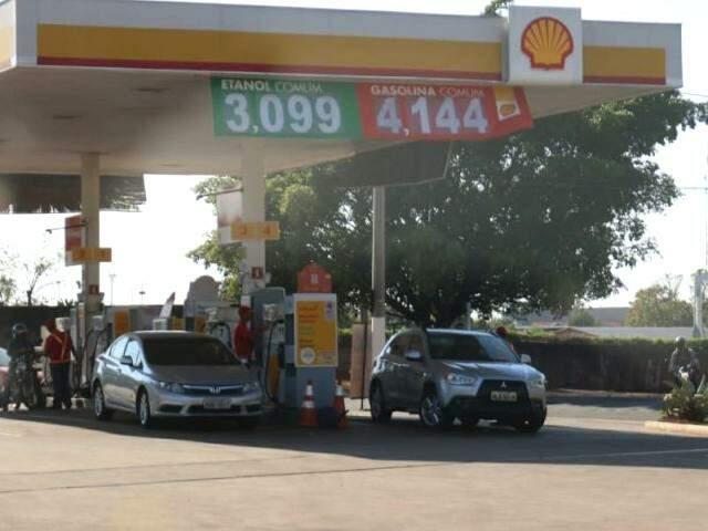Etanol pode ser encontrado por R$ 3,09 (Foto: Henrique Kawaminami/Arquivo)