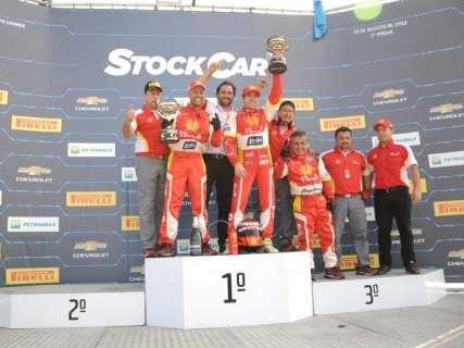 Felipe Fraga e Ricardo Zonta vencem corridas da rodada dupla da Stock Car