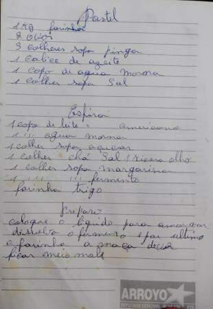 A receita do pastel, nas letras de Juvelina. (Foto: Roberto Higa)