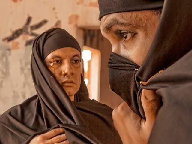 A peça Subcutâneo tem em cena os atores Leandro e Philipe Faria. (Foto: Divulgação)