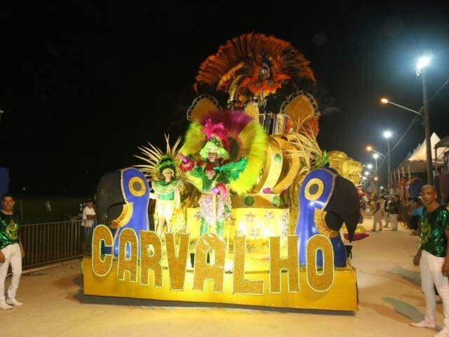 Vila Carvalho fechou o segundo dia de desfiles  (Foto: Paulo Francis)