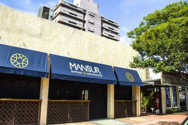 O Mansur Cozinha Contemporânea fica bem ao lado do Empório Mansur, no coração da Rua Antônio Maria Coelho. (Foto: Agência Tecla)