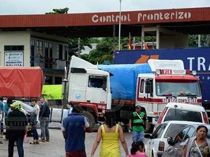 Fronteira do Brasil com a Bolívia continua fechada por caminhoneiros