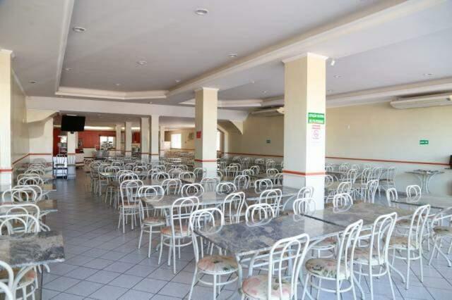 Restaurante antes de abrir. Maximu's funciona na rua Marechal Rondon, número 1.289, entre Calógeras e 14 de Julho. (Foto: Alcides Neto)