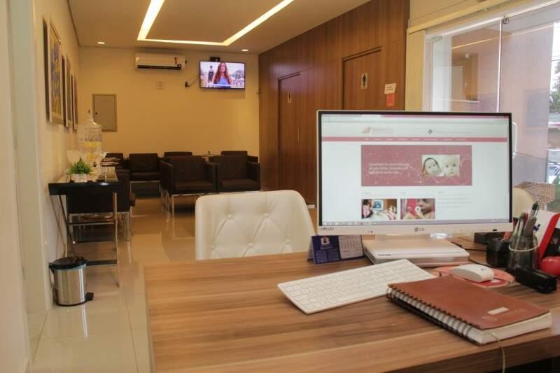 A recepção da clínica. (Foto: Marcos Ermínio)