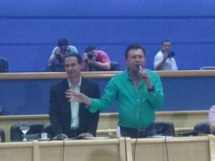 Terceirizados lotam Câmara para reunião com Marquinhos sobre pagamentos