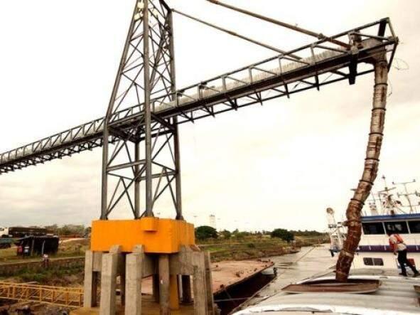 Na imagem, produção local é escoada via porto fluvial (Foto: Divulgação/Ilustração)