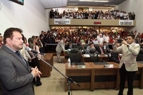 Deputado Maurício Picarelli apresentou projeto na Assembleia (Foto: Victor Chileno/ALMS)