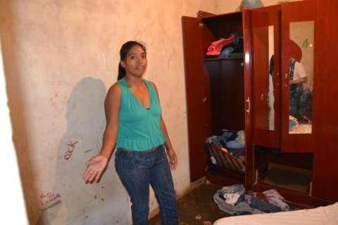 Capivara é encontrada em guarda-roupa de casa em aldeia urbana
