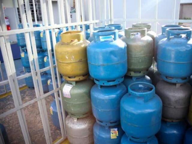 Preço médio do botijão de 13 kg sofreu aumento em Mato Grosso do Sul (Foto: Paulo Francis/Arquivo)