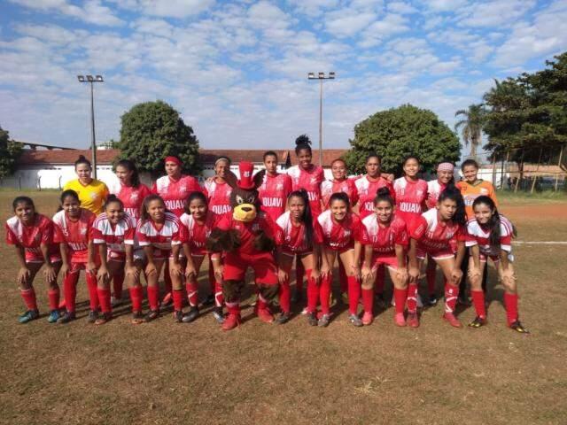 Meninas do Comercial disputaram torneio no fim de semana na Capital (Foto: Divulgação)