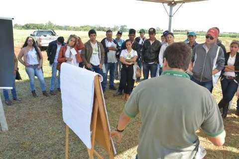 Giro tecnológico do Senar discute produção leiteira na Expoagro