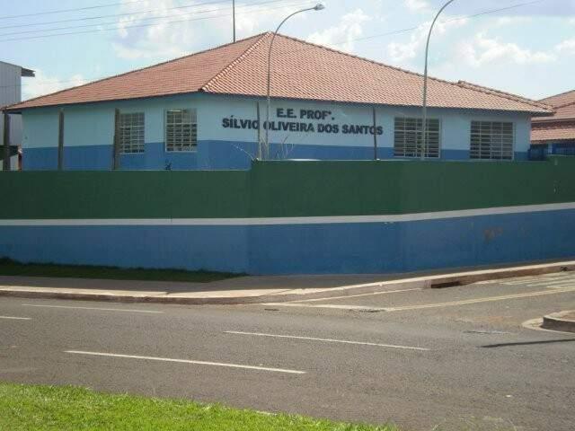 Escola estadual Silvio Oliveira dos Santos. (Foto: Arquivo)