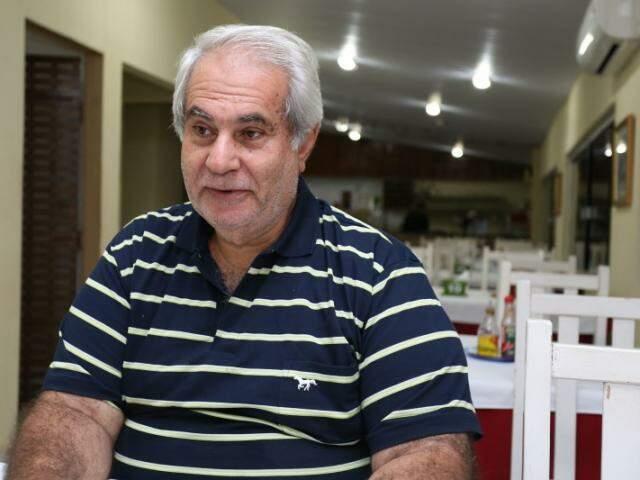 Nagibão começou no novo restaurante servindo bifão na chapa. (Foto: Marcelo Victor)