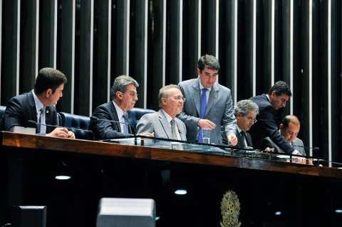 Renan ignora decisão de Maranhão e dá continuidade a processo no Senado