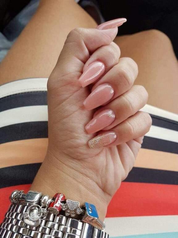 São mais de 50 estilos de unhas. (Foto: Divulgação)