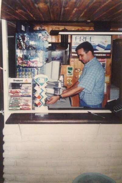 Proprietário Paulo no Áquila em 1994 - Foto Divulgação.
