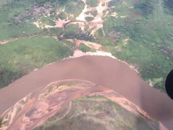 Assoreamento do rio está sendo analisado pelo ministro do meio ambiente. (Foto: Reprodução Facebook)