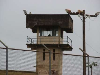 Sem efetivo, PM convoca policiais de folga para vigiar penitenciária