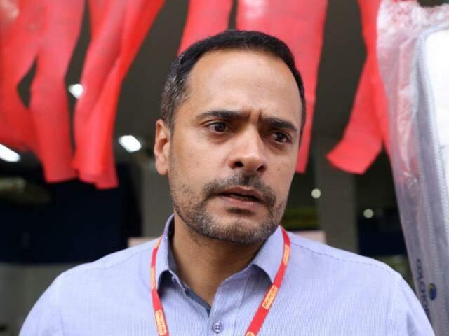 Gerente da Ricardo Eletro diz que aguarda aumento de até 20% nas vendas (Foto: Kísie Ainoã)