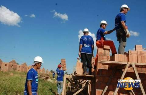 Construção civil se recupera e é o setor que mais gera empregos em MS