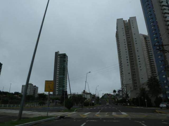 Capital amanheceu coberta por neblina neste sábado (6) (Foto: Kísie Ainoã)