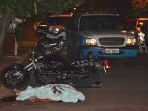 Eduardo Carvalho era ex-PM foi morto em frente de casa, na rua Cláudia, bairro Giocondo Orsi (Foto: Nyelder Rodrigues)
