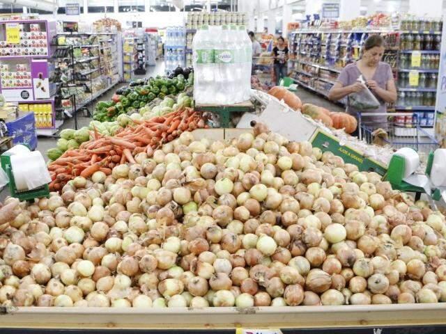 Cebola ajudou a puxar alta da cesta básica; preço subiu 30% (Foto: Arquivo)