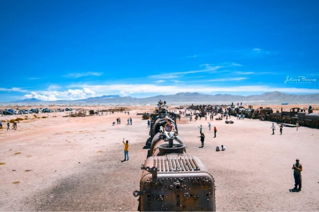 Detalhes do Cemitério de Trens no deserto. (Foto: Juliano Pinheiro)