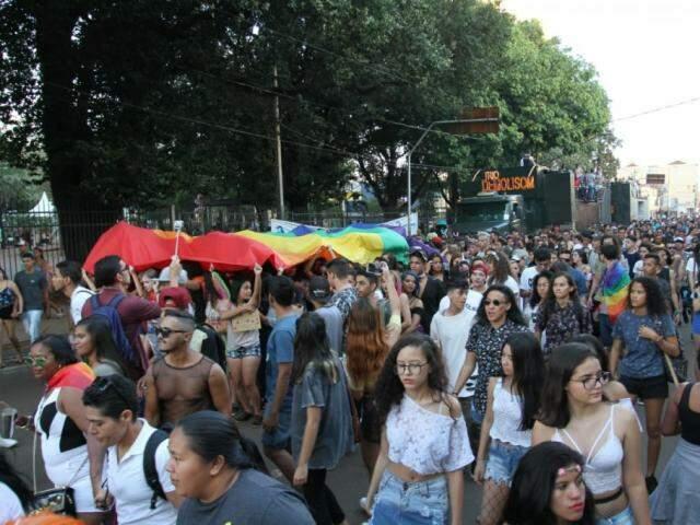 MP assinada por Bolsonaro retira LGBTs das diretrizes de Direitos Humanos