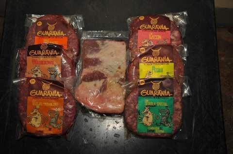 Linguiça sul-mato-grossense com 8 sabores será vendida para todo o país