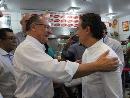 Alckmin, Reinaldo e Marquinhos se encontram para café no Mercadão