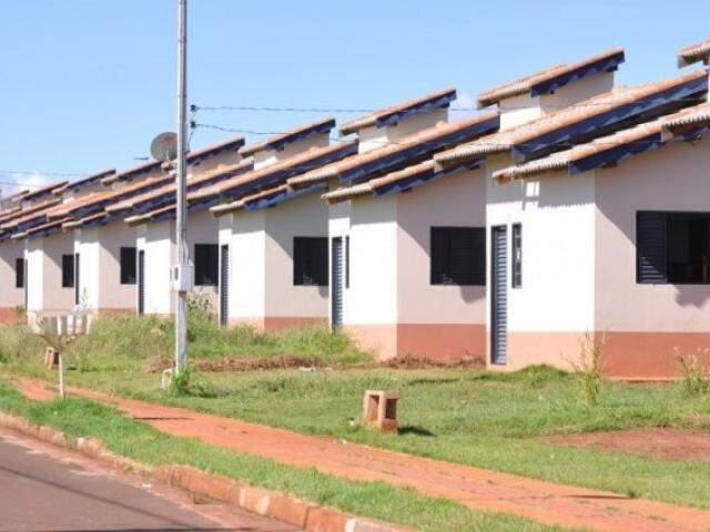 Leis preveem regularização de dívidas e aceleraram quitação de alguns imóveis construídos pelo governo em Campo Grande. (Foto: Arquivo)