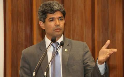 Rinaldo cobra providência de Dilma no combate à troca de carro por droga na Bolívia