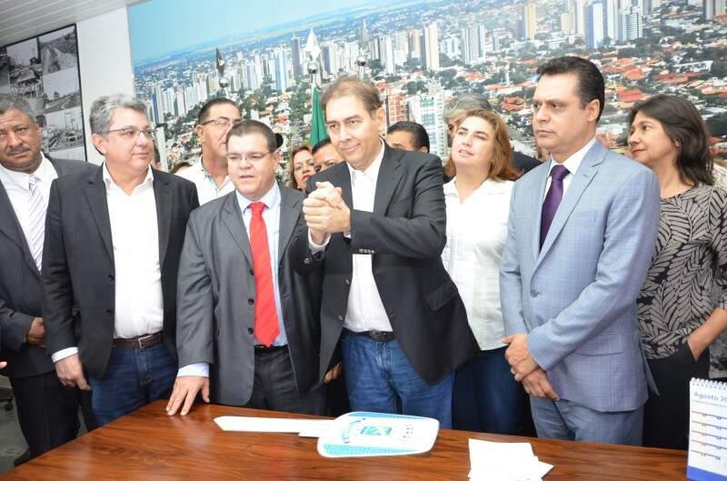 Depois de um ano e meio Alcides Bernal foi reconduzido ao cargo por uma decisão do TJMS (Foto: Arquivo)