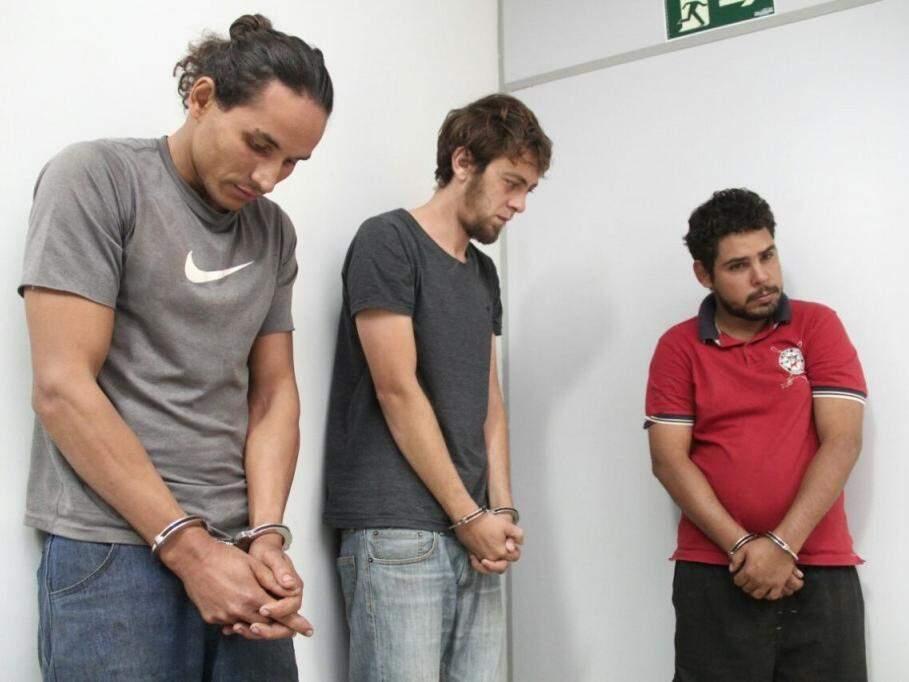 Na sequência, Anderson, Luis Alberto e Ronaldo, presos pelo crime. (Foto: Marcos Ermínio)