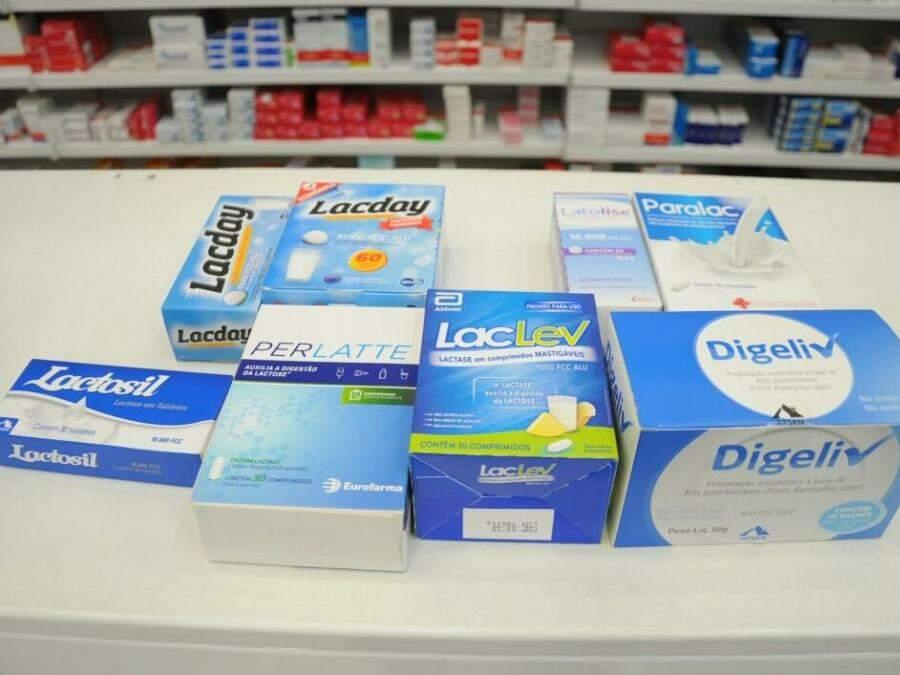 Enzimas para a digestão da lactose no balcão de farmácia (Foto: Paulo Francis)