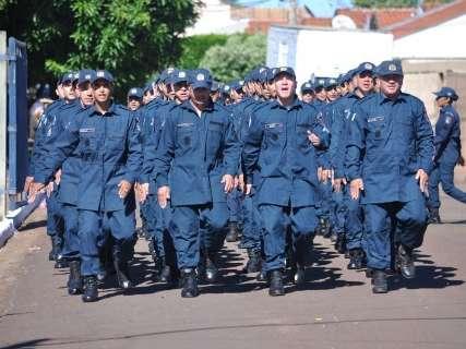 Governo abre concursos com 438 vagas para PMs e 176 de bombeiros