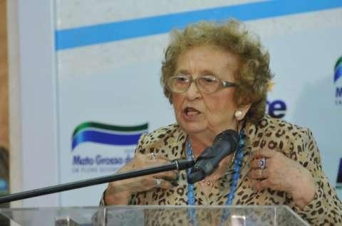Com suspeita de AVC, professora Glorinha é internada e segue em coma no El Kadri