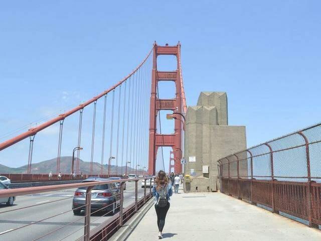 """Para mostrar a realidade por trás do famoso """"estilo de vida americano"""" a campo-grandense Gabriela criou o blog De Repente Califórnia. (Foto: Arquivo Pessoal)"""