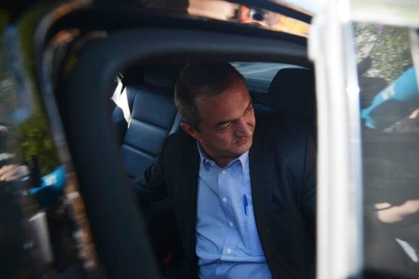 O empresário Joesley Batista, dono da JBS, deixa a sede da Superintendência da Polícia Federal após prestar depoimento (Rovena Rosa/Agência Brasil)