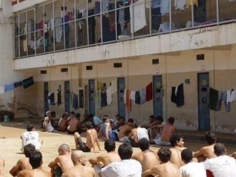 Presos na Penitenciária de Dourados, a maior do interior de MS (Foto: Hedio Fazan/Divulgação)