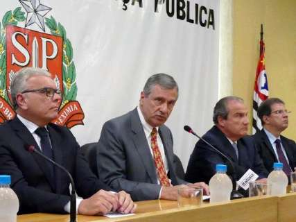Sem detalhes, ministro anuncia reforço na segurança na região de fronteira