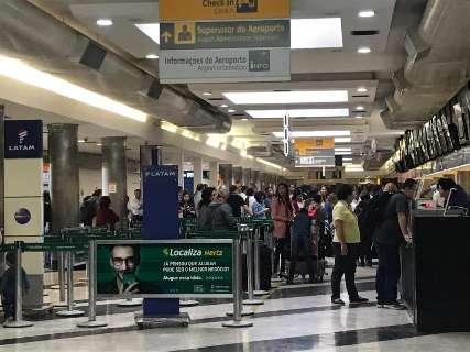 Aeroporto volta a operar e tem 16 voos previstos para o resto do dia