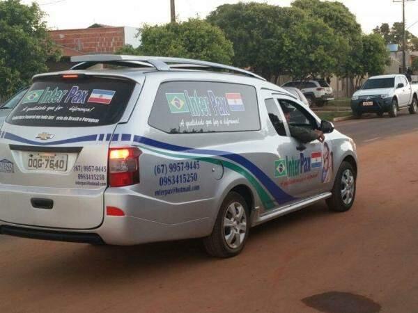 Carro funerário que levará o corpo do indígena até a aldeia. (Foto: Hélio de Freitas)