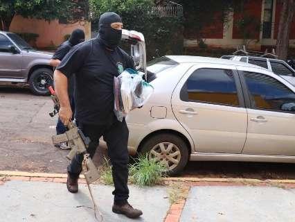 Com 6 PMs presos, Corregedoria apreende até pneu de moto e dinheiro
