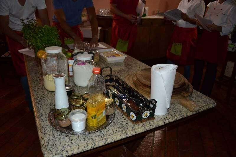 Ingredientes não fogem do que é usado na cozinha brasileira.